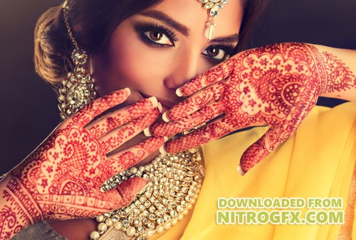 Beautiful Indian girls in traditional clothes, beautiful make-up, women with beautiful jewelry