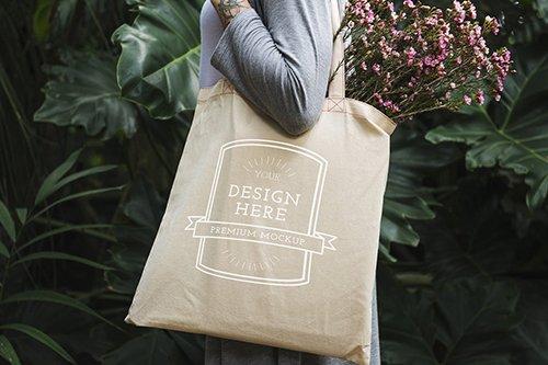 Women Tote Bag Mockup PSD